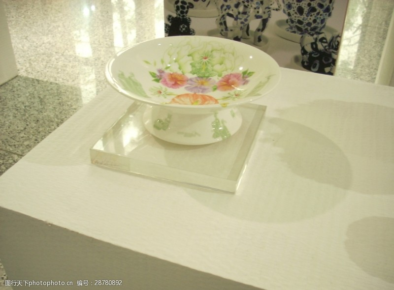 彩釉百花陶瓷碗