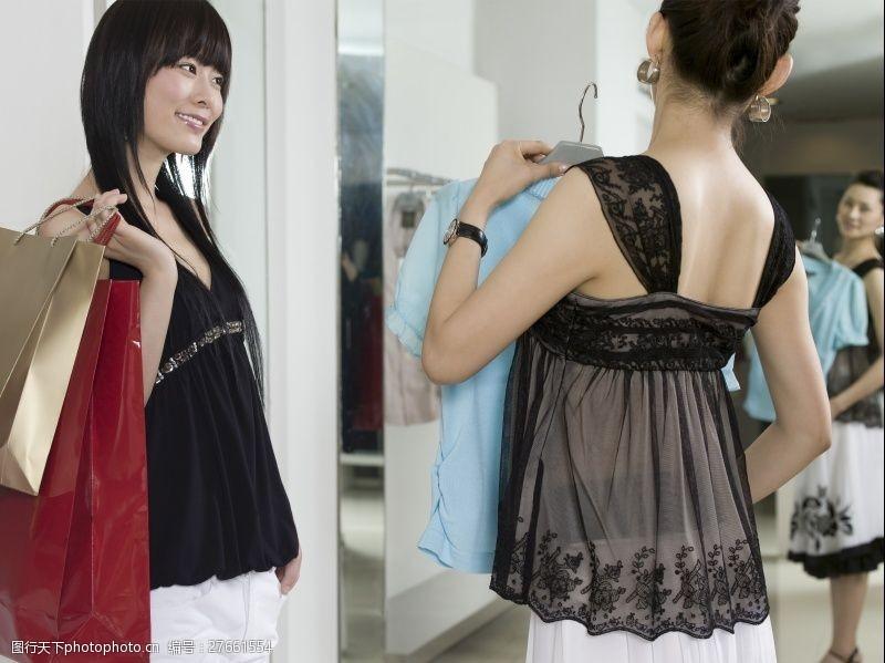 女性高清图片商场两个购物女人高清图片图片