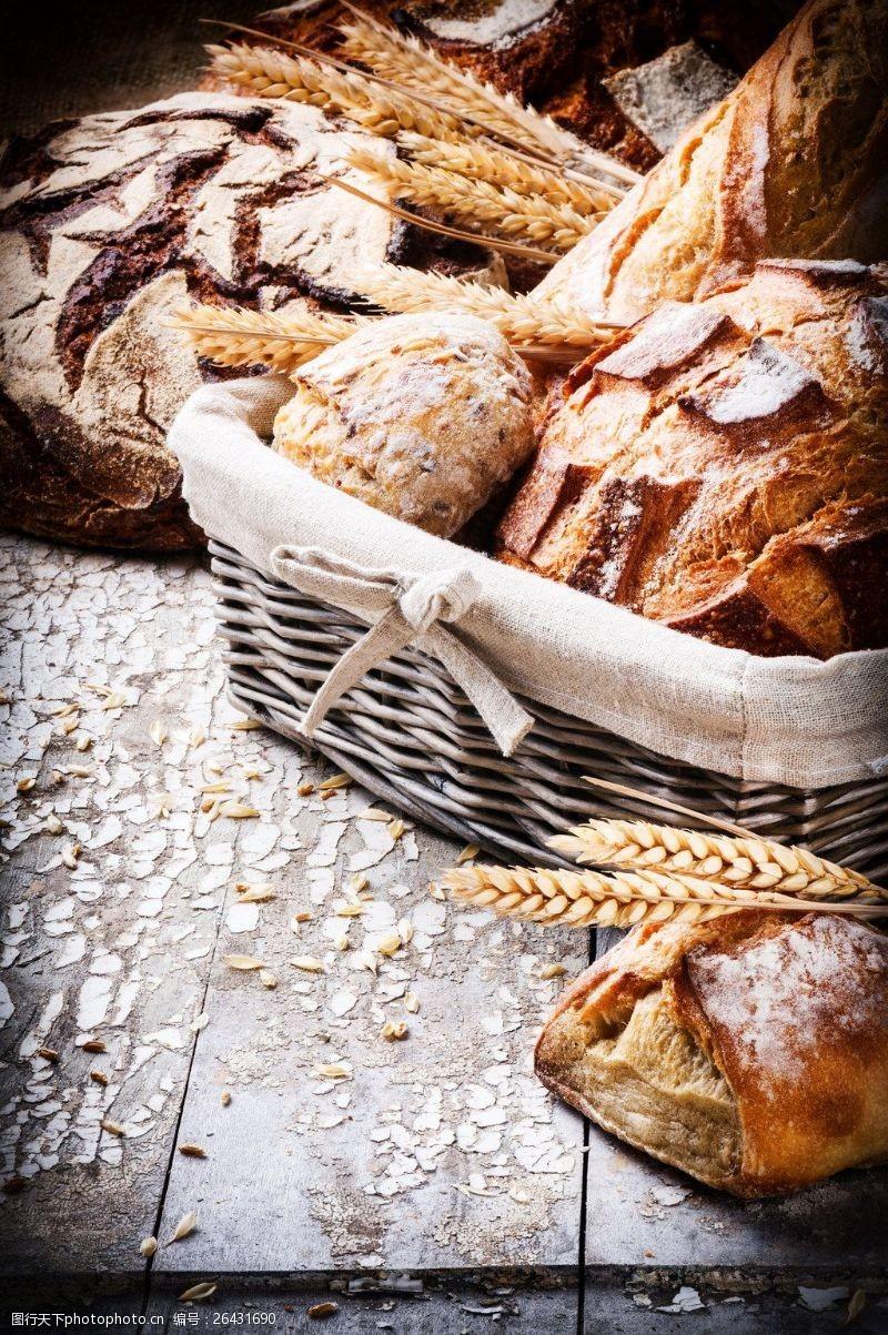 面包图片素材下载竹篮里的杂粮面包图片