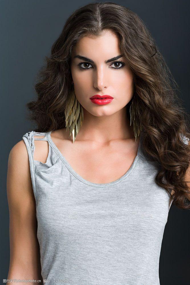 美丽佳人化浓妆的时装模特美女图片