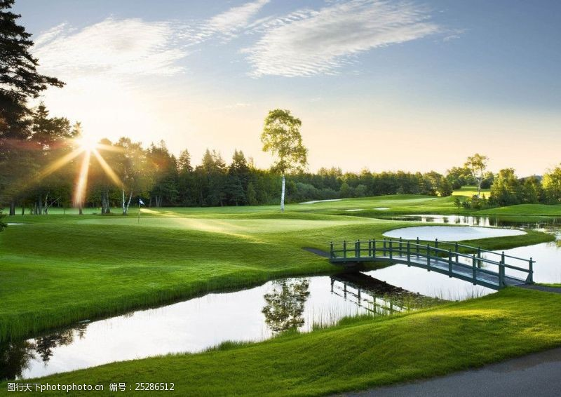 皇室运动高尔夫球场图片