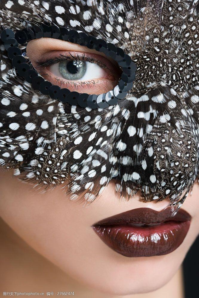 美丽佳人戴面具的美女面部特写图片