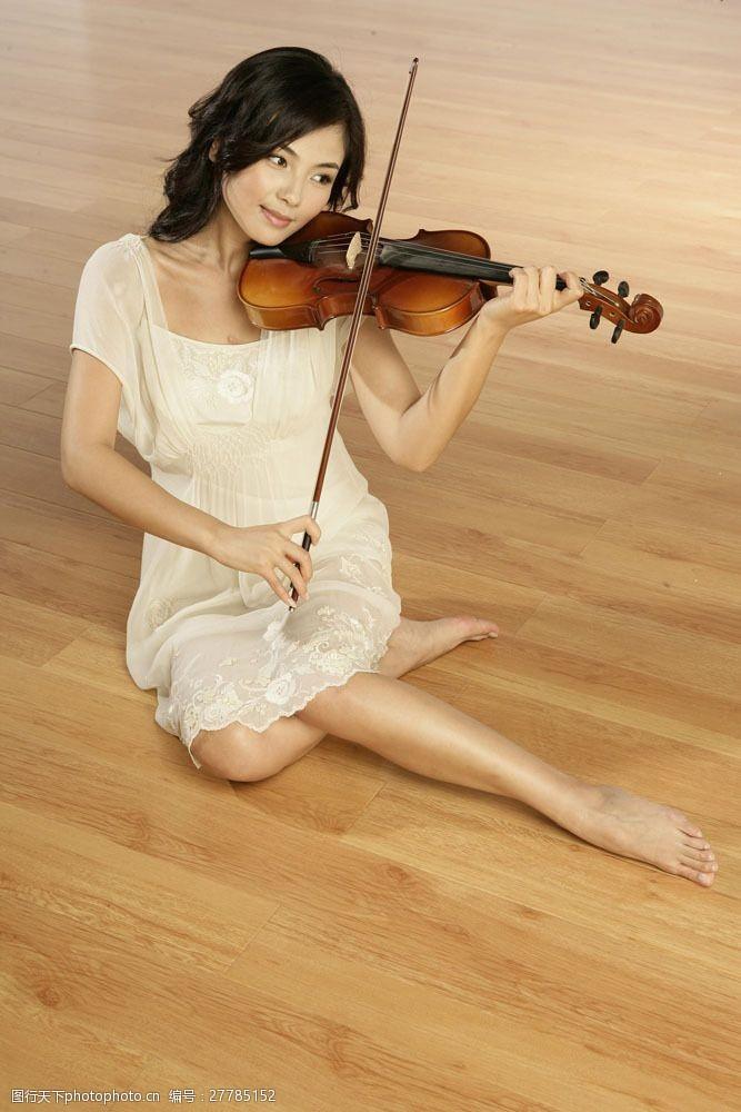明星图片拉小提琴的女明星偶像图片