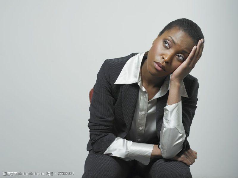 女性高清图片坐着仰望的外国商业女士图片