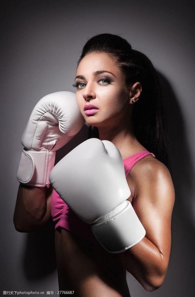 肌肉展示拳击美女图片