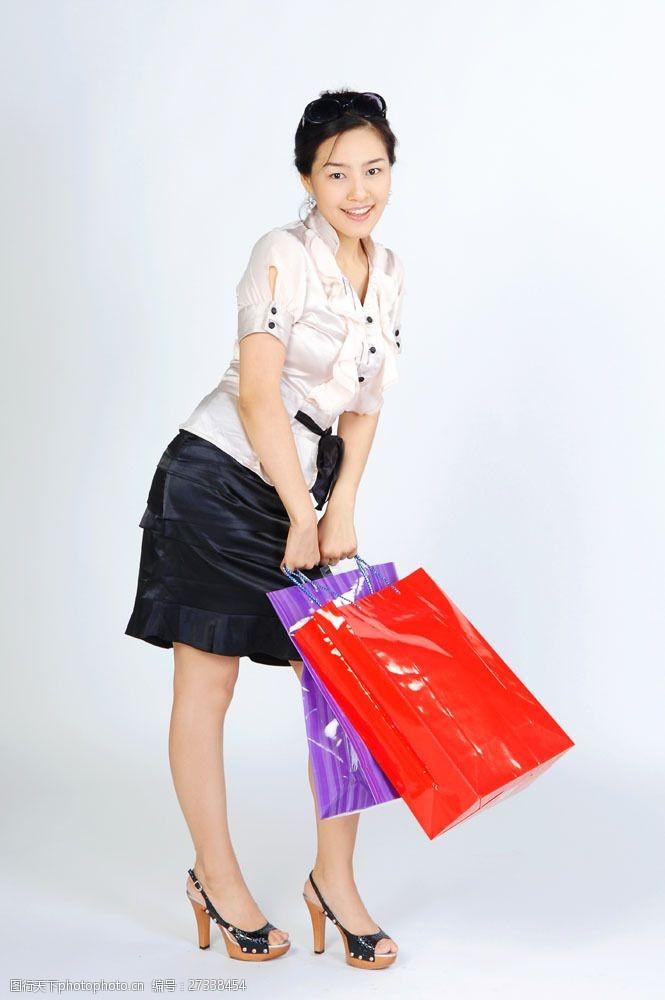 化妆品高清图片开心微笑购物女性图片