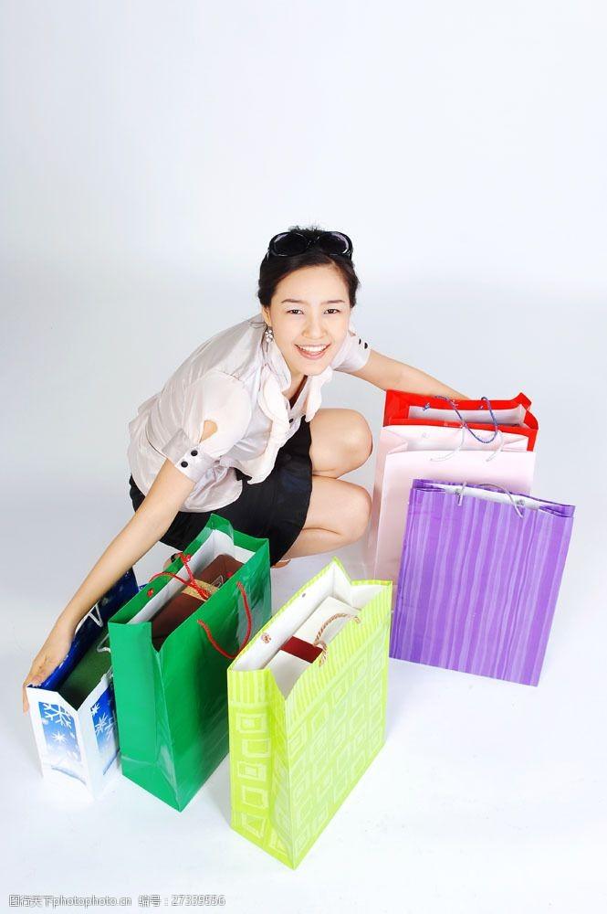 化妆品高清图片拥抱包装袋女性图片